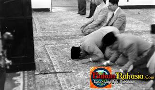 Permalink to Misteri Tongkat Komando Bung Karno