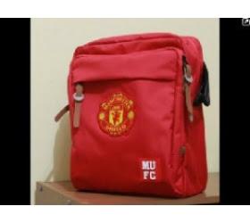 tas murah slempang Manchester United Merah (red)