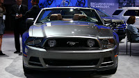 2013-Ford-Mustang-Wallpaper-10