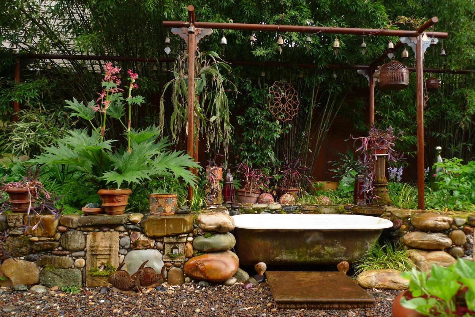 jeffrey bale 39 s world of gardens bathing in the garden. Black Bedroom Furniture Sets. Home Design Ideas