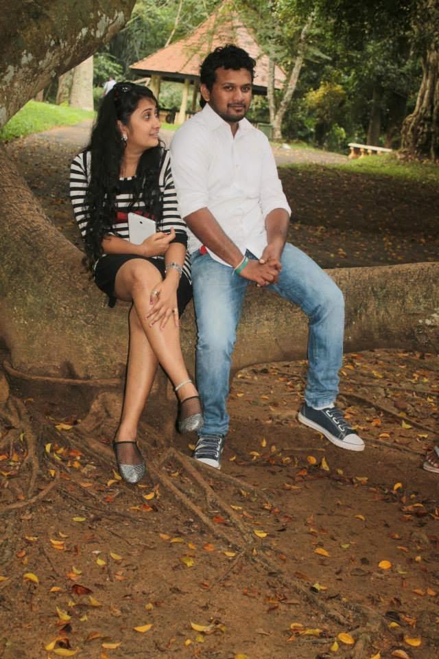 madhu nithyani crossed legs