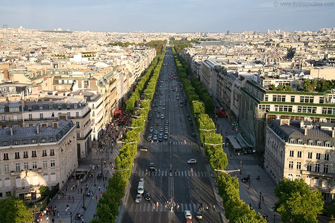 Champs-Elysees-seen-from-Arc-de-Triomphe