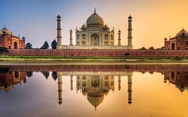 Architectural Wonder Taj Mahal
