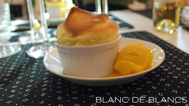 Passionfruit soufflé - www.blancdeblancs.fi