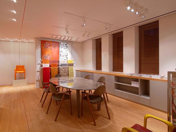 Homebuildlife maison herm s milan showroom launch for Maison hermes
