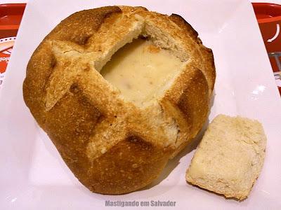 Frends Alimentos Leves: O Caldo de Aipim com Carne seca, servido no Pão