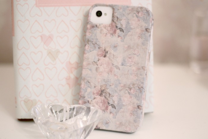 Amy antoinette lifestyle blog shabby chic rose iphone case for Case arredate shabby chic