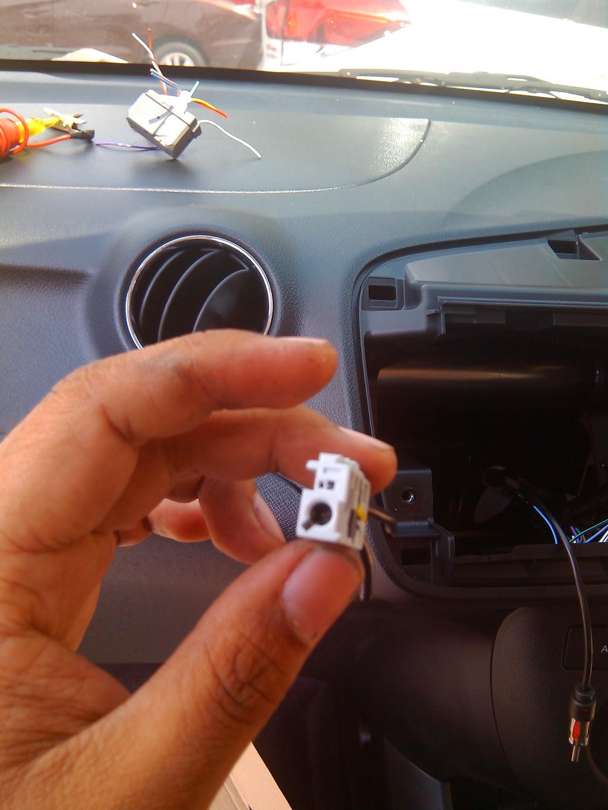 pemasangan head unit  honda mobillio organisasi nasional mobil honda