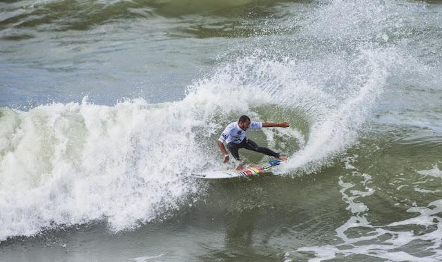 18 2014 Moche Rip Curl Pro Portugal Jadson Andre BRA Foto ASP Damien%2B Poullenot Aquashot
