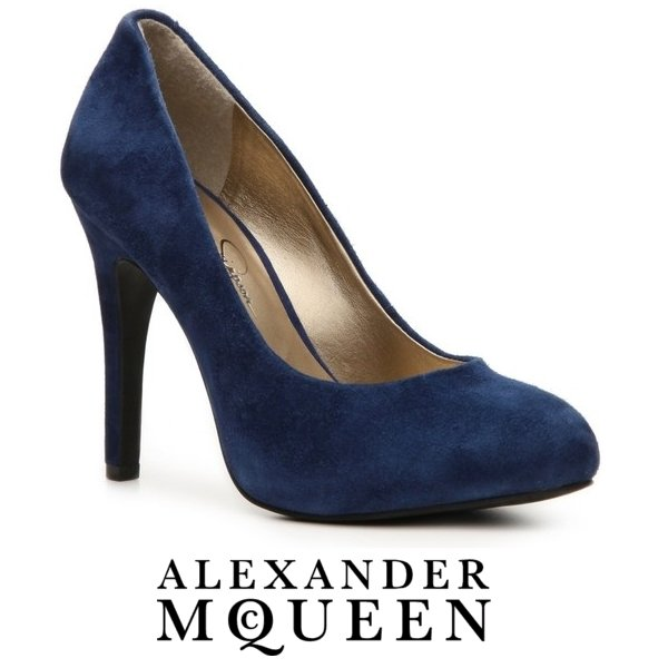 Kate Middleton Alexander McQueen navy suede pumps