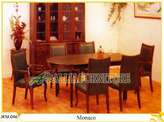 Kursi dan Meja Makan Ukiran Kayu Jati Monaco