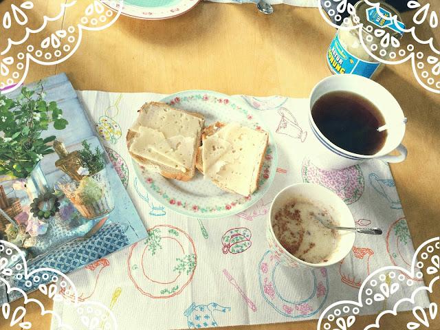 breakfast, tea, toast, oatmeal