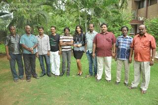 Sathiram-Perundhu-Nilayam-Team-Interview