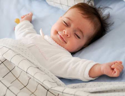 Pola tidur akan berpengaruh pada kecerdasan bayi