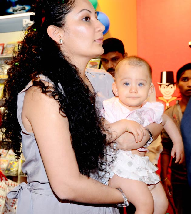 BOLLYWOOD CINEMA PHOTOS   NEWS   MORE: Sanjay Dutt's twins ...