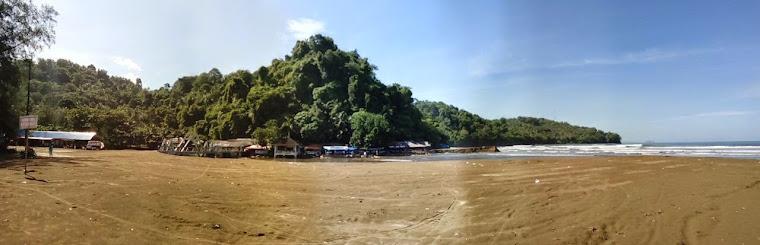 Pantai Air Manis Lagenda Anak Derhaka Malin Kundang