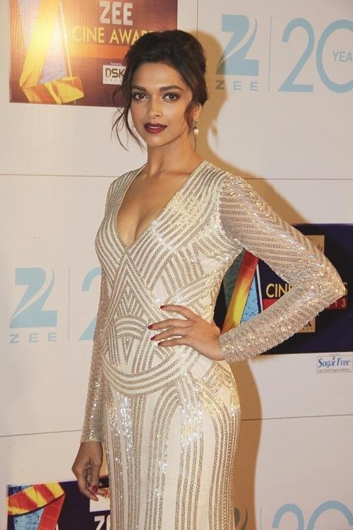 Deepika Padukone hot pics 2013