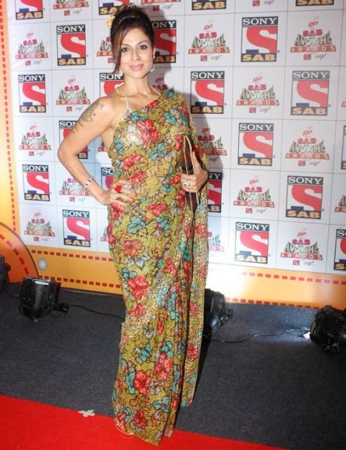 Tanaaz Irani in Floral Printed Saree Hot Backless Blouse