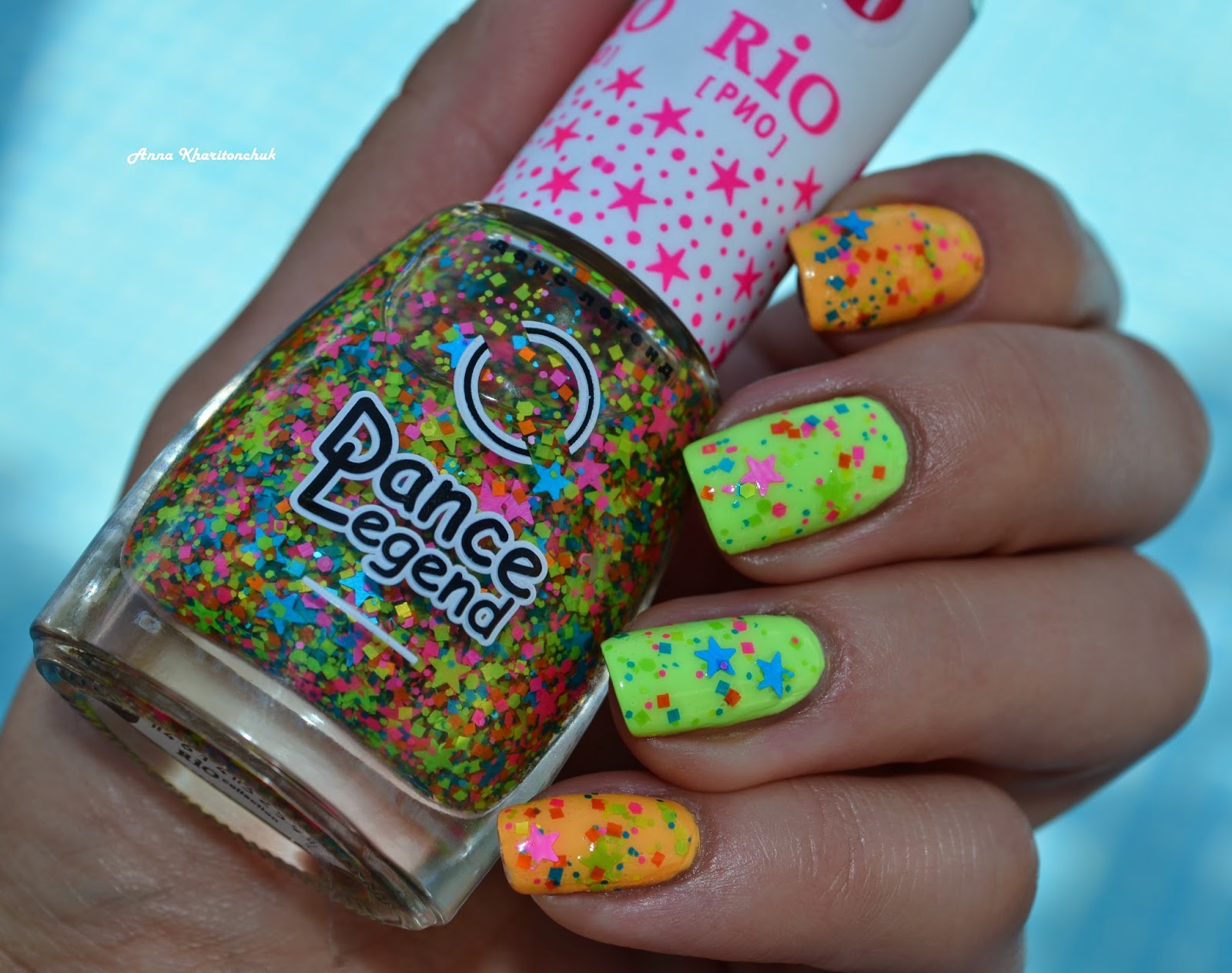 Дуэт China Glaze Metro Pollen-tin и Grass Is Lime Greener с топом Dance Legend Rio # 1