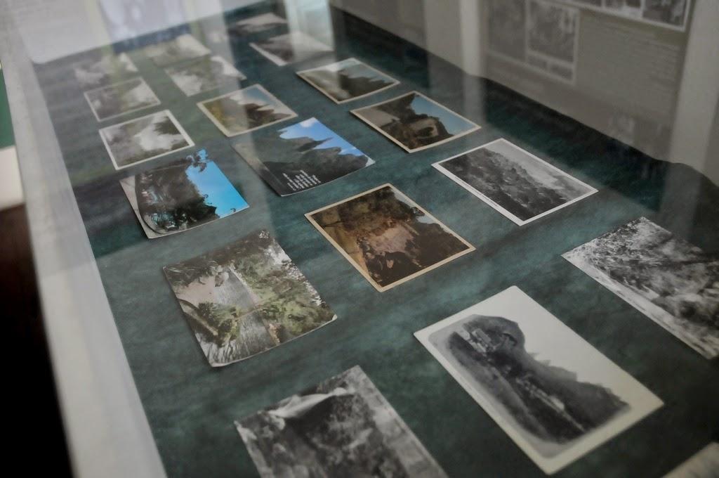 Cartões postais com motivos do parque integram a mostra