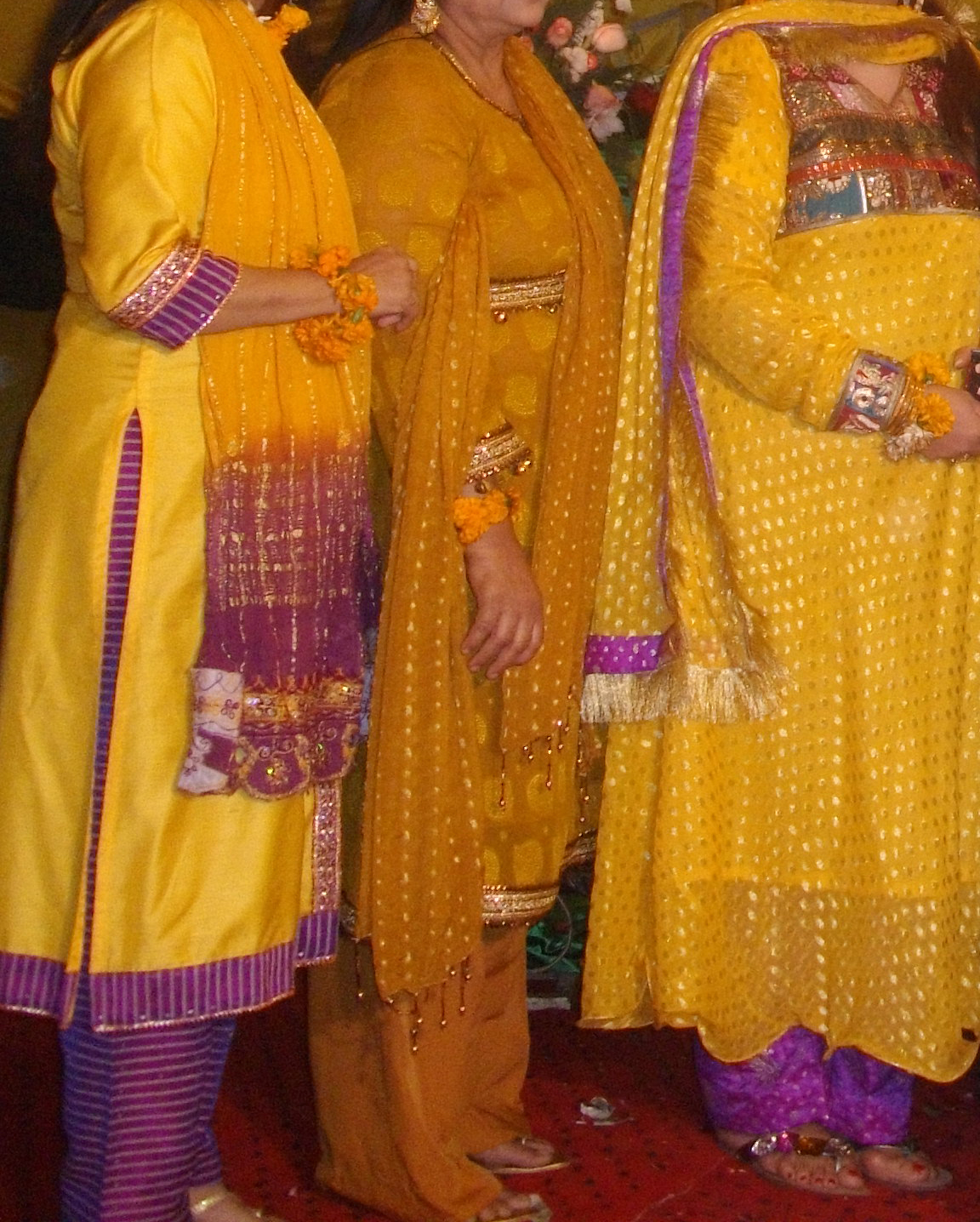 Ladies Mehndi Party : Fashion tips box mehndi mayon party dresses for girls
