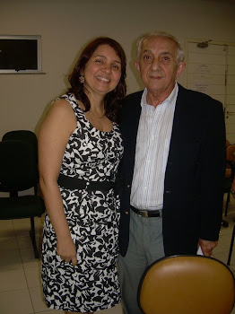 ANA PAULA E O ORIENTADOR DA TESE PROF. HÈLIO LEITE
