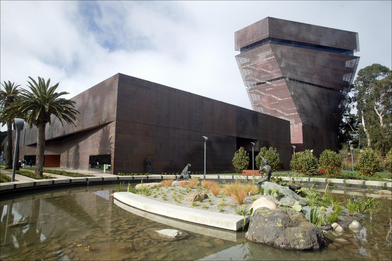 Luxe picasso exhibition at de young museum san for San francisco new museum