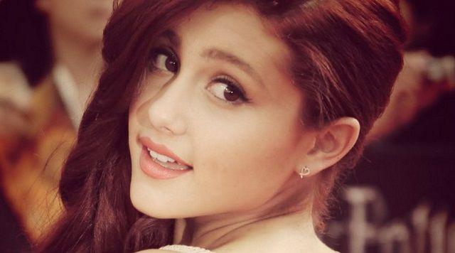 Biodata Profile Ariana Grande Serta Foto