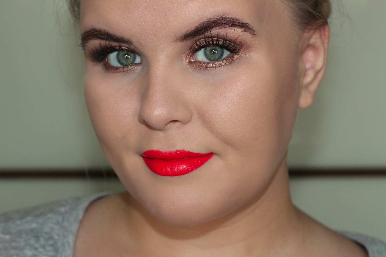 Obsessed by beauty tutorial bronze smoky eye orange lip with effect look that suited as many skin tones as possible and what better than a bronzy smoky eye with a bright orange lip the epitome of summer makeup baditri Image collections
