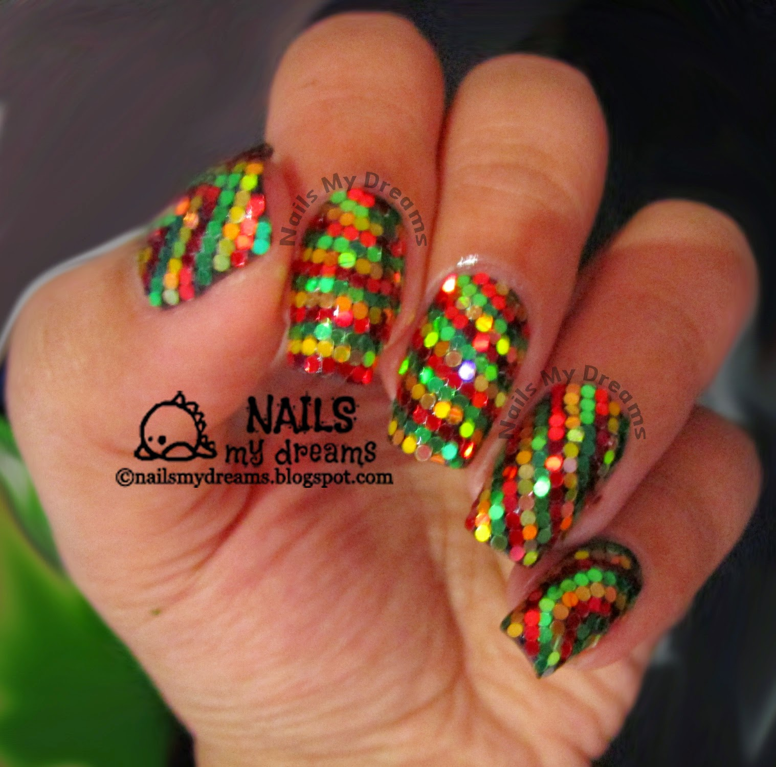 Nails My Dreams Reggaechristmas Inspired Glitter Placement Nail