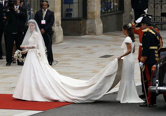 kate middleton hats 2009 kate middleton wedding dress alexander mcqueen. Kate Middleton#39;s sister Pippa