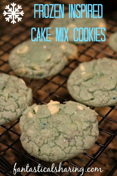 "Frozen Inspired Cake Mix Cookies | For all those fans that won't ""Let It Go"", these cookies are just for you! #Frozen #cookies #LetItGo #SecretRecipeClub"