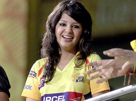 download free mp3 songs and wallpapers: Dhoni Wife Sakshi