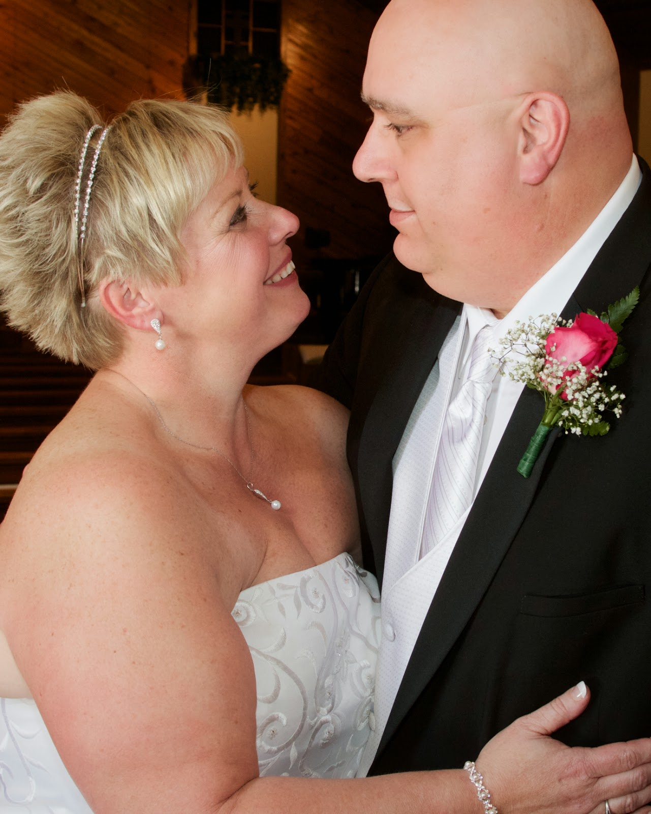 Winter wedding. Tammy Sue Allen Photography, wedding photographer, Lansing, Michigan.