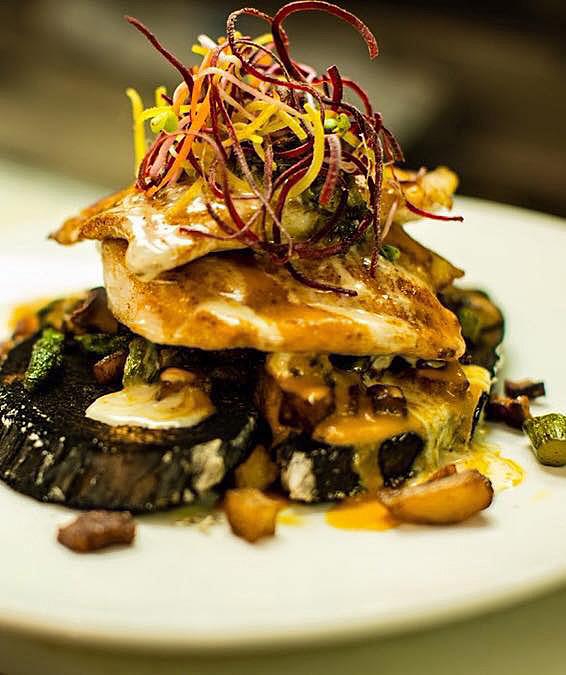 5 Restaurants:Le Creole Baton Rouge. Visit www.forarealwoman.com #blogger #foodie