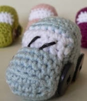 http://www.lookatwhatimade.net/wp-content/uploads/2013/07/Tiny-Crochet-Car-Dedri-Uys.pdf