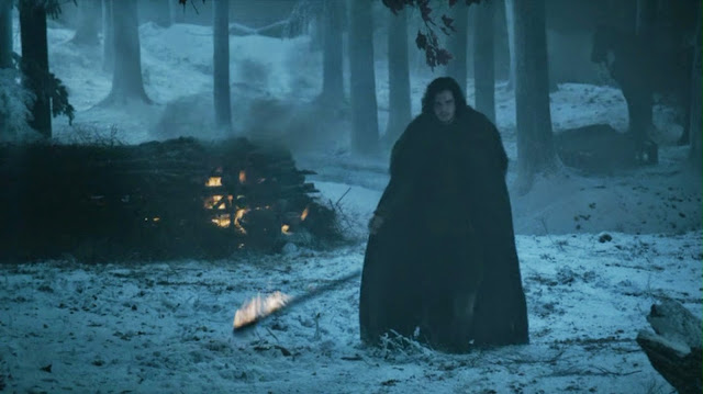 HBO Game of Thrones s04e10: Jon Snow and burning Ygritte.