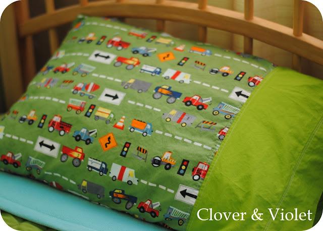 French Seam Pillowcase tutorial & Clover \u0026 Violet \u2014 French Seam Pillowcase tutorial pillowsntoast.com