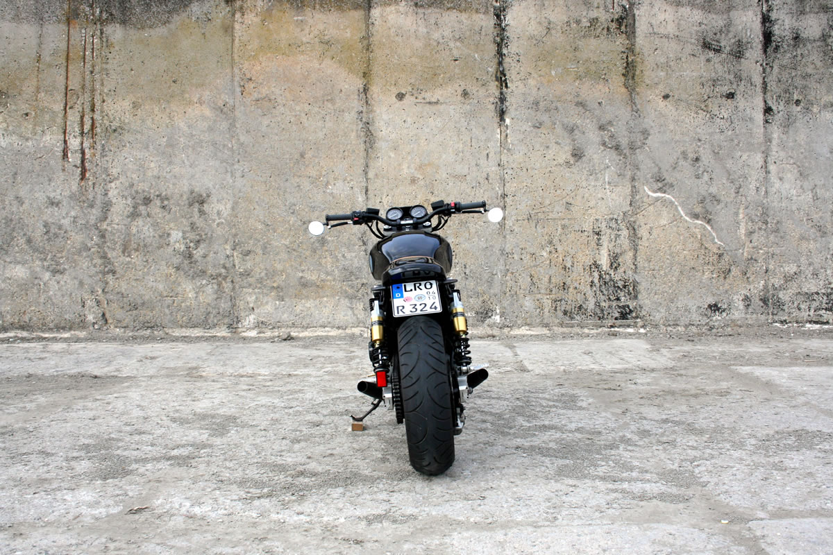 custom yamaha xjr 1200 tail end