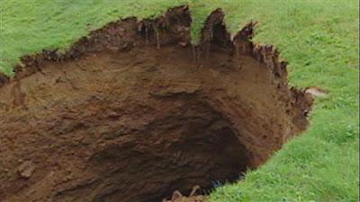 hoyo formado en la tierra en quebec, canada 2011