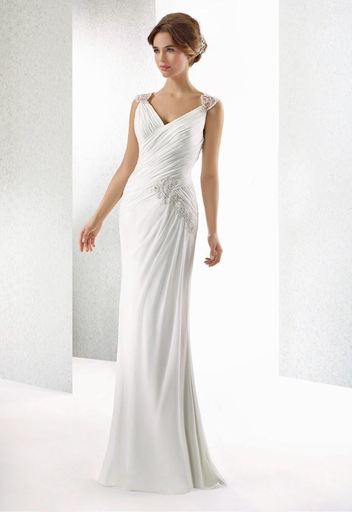 Chiffon Brautkleid fliessend, edel, figurbetont und elegant. leichtes schlichtes Brautkleid.