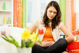 5 Cara Ampuh Redakan Sakit Perut Tanpa Obat