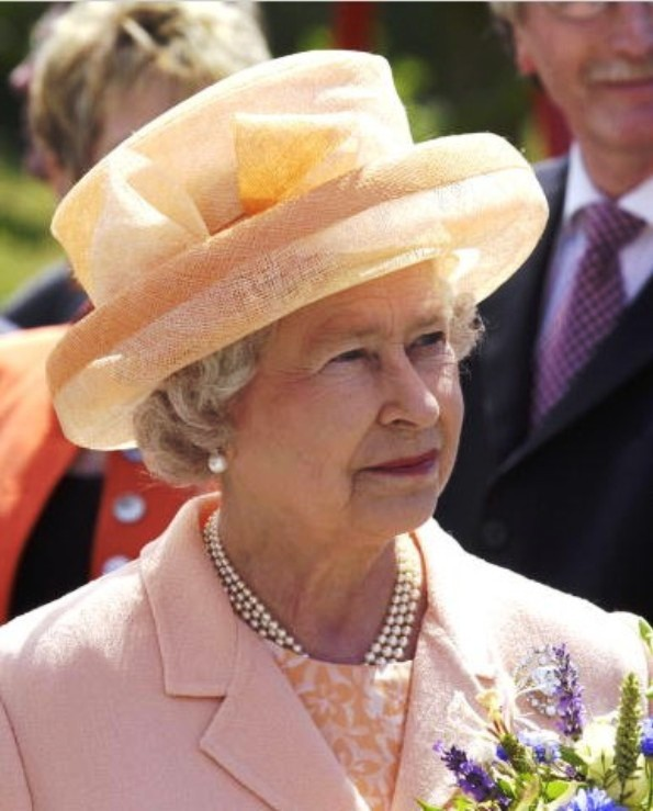 Queen Elizabeth's Orange Hats, An Inventory