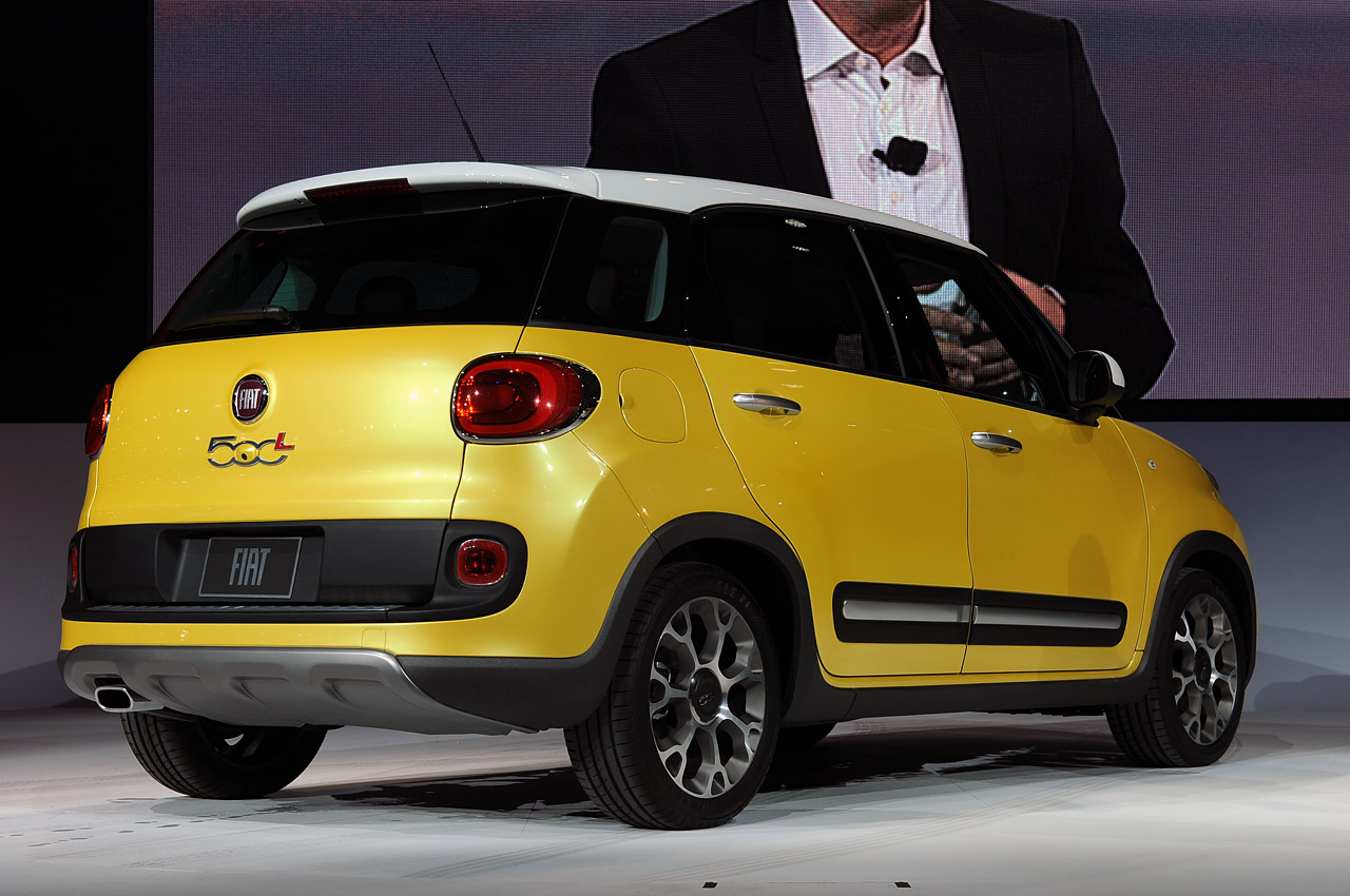 automotiveblogz 2014 fiat 500l trekking la 2012 photos. Black Bedroom Furniture Sets. Home Design Ideas