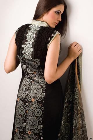 Mahiymaan Designer Series by Al Zohaib Textile navel show