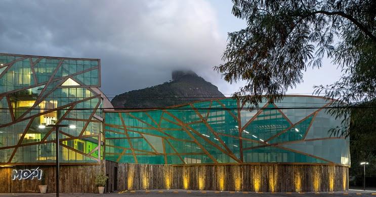 Scuola urbana nei pressi della foresta architetture dell for Piani a pianta aperta