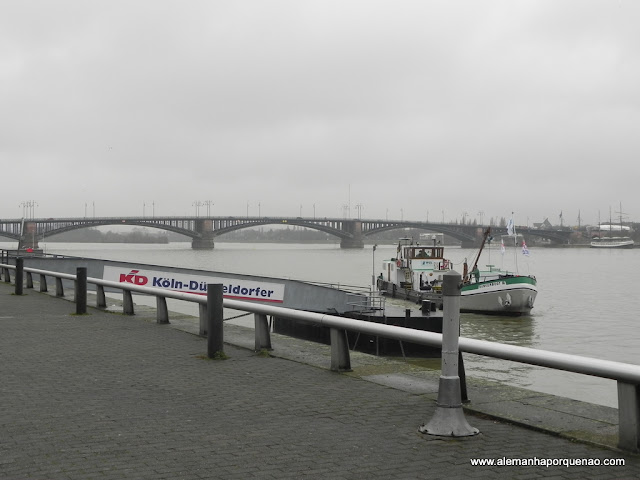 Rio Reno e o porto de Mainz