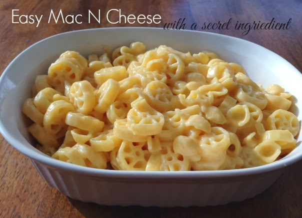 This Happy Life: Easy Mac N Cheese...with a secret ingredient