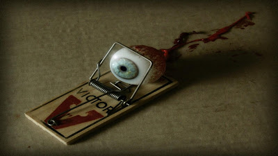 HD Scary eyes - Eyes In Mousetrap