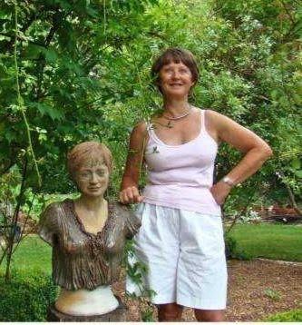 Buste de la jardinière réalisé par Nicole Crestou